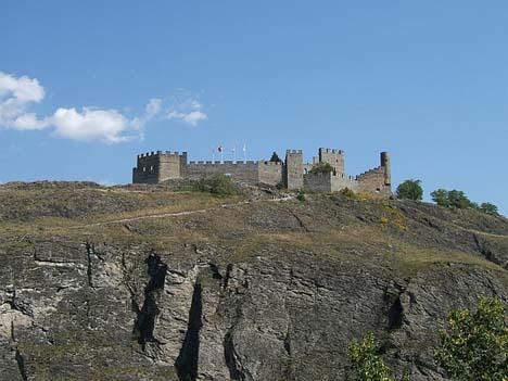 неприступные-стены-крепости